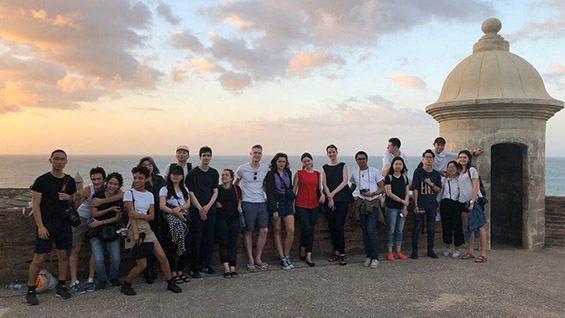 Professors del Rio and Veledar with third-year architecture students in San Juan